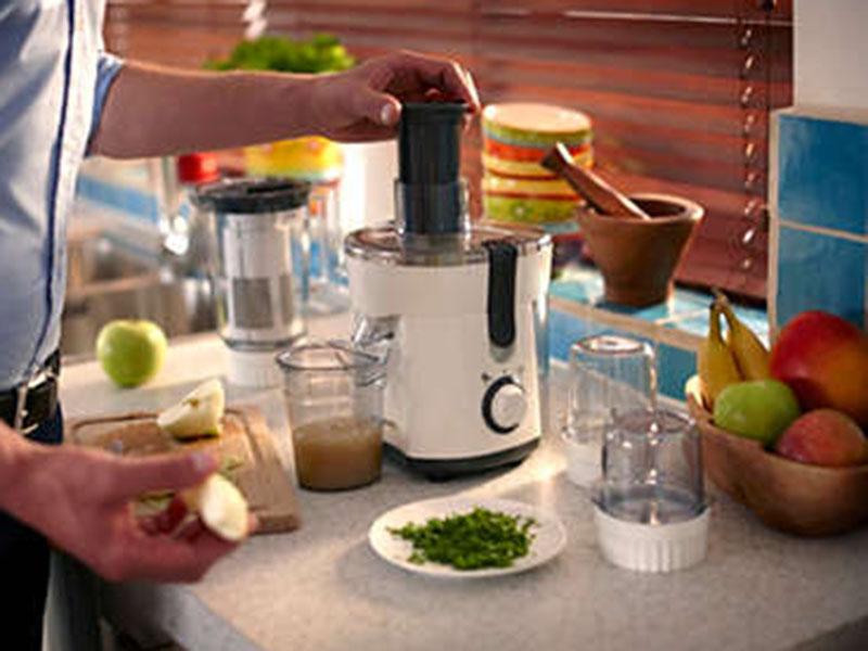 Philips Juicer: Viva Collection Juicer, Blender, Grinder & Chopper – HR1847 Mincers, Grinders & Choppers Juice blenders